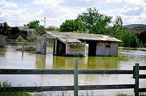 Benton City-Yakima River Flooding 2011