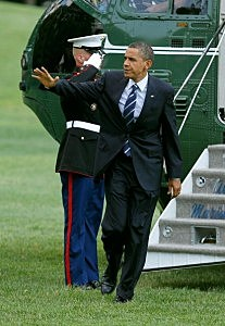 Obama Leaving White House From Marine One