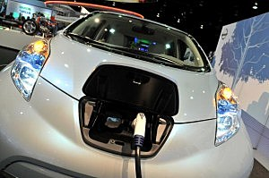 electric car-nissan leaf