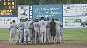 Dust Devils celebrate 2011 Eastern Divison Title