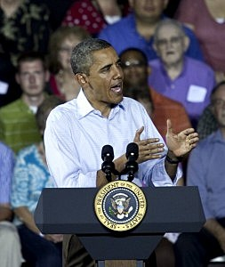 Obama addressing group at University of Miami