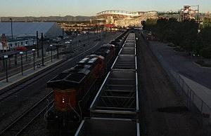 Washington, Oregon governors demand environmental review of coal terminals