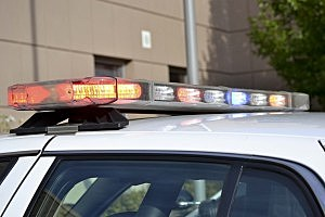 Kennewick police shoot suspect who threatened them with gun