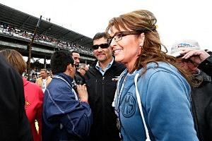 Sarah Palin delivers grad speech in Republic, WA