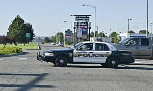 Kennewick police arrest two on credit card and auto theft charges