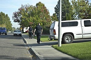 Kennewick police carrying out search warrants
