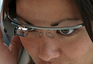New 3-D google inspired glasses contain facial recognition technology