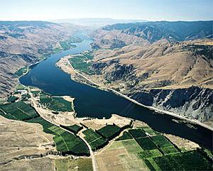 Oregon looking at raising hunting, fishing fees.