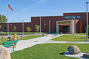 Altercation between student and police locks down Richland High (Richland School District)