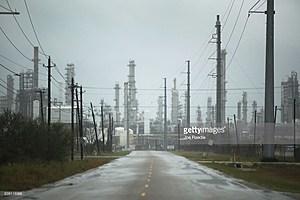 Houston oil refinery (Joe Raedle-Getty)