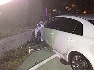 Concrete wall 1, driver -0-   (Kennewick police)
